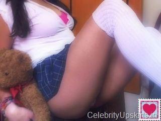 Columbian Cutie Flashing On Sex Chat Cam